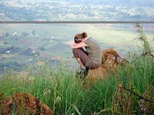 woman-praying-from-mountain