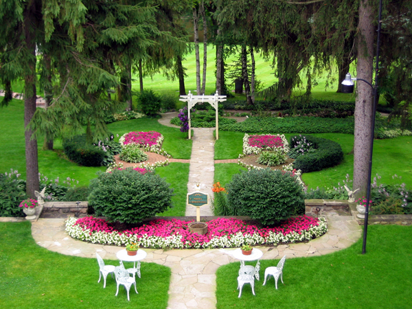 Beautiful-English-Garden-Design