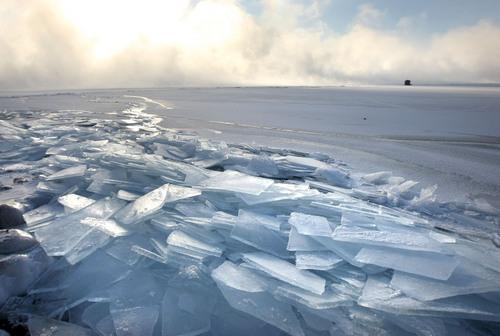 Europa_ice_Lake_Superior