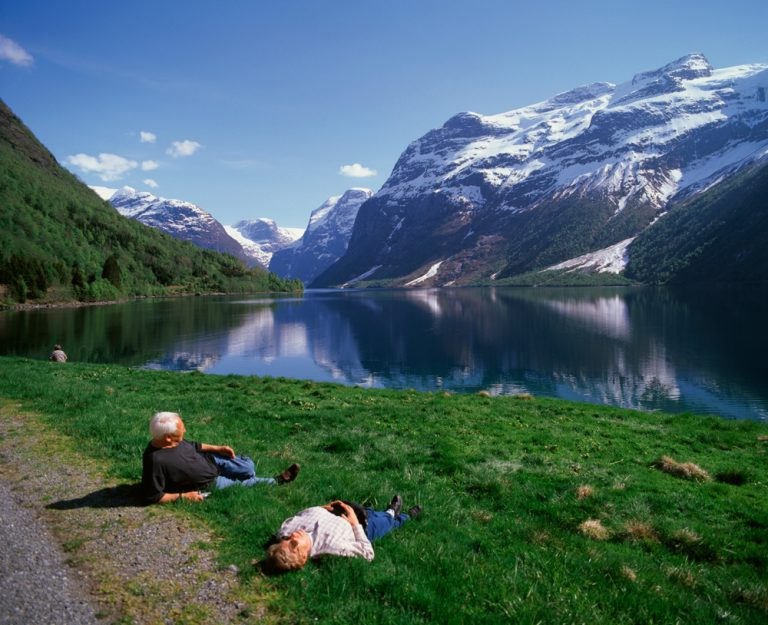 a3q8a_norway-fjord-Hardanger