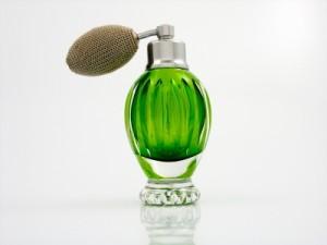12944352131441309820perfume-bottle