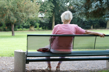 Woman_on_park_bench_10058346_l_RGB