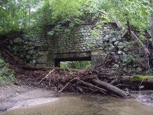 stone-bridge-clogged-culvert-indian-brook_noaa_1000